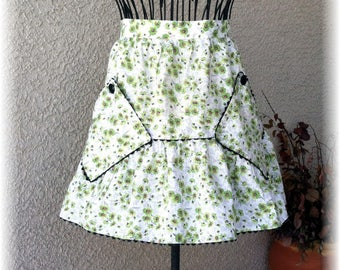 GREEN FLORAL APRON with Ruffle