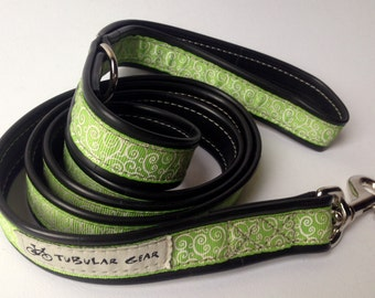 Earth Green with Spiral Print Leash