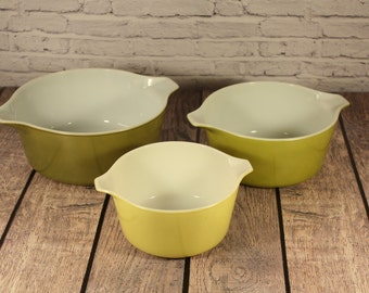 Vintage Pyrex - Verde Green Nesting Casserole Dishes w/ Cinderella Handles - Set of 3 Bowls - 475B - 474B - 473