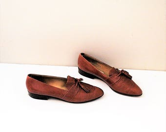 80s Calvin Klein loafers vintage brown leather pointy toe tassel shoes size 9.5