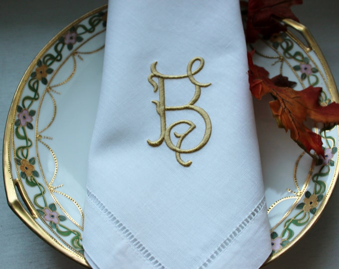 Set of 8 or 12 Linen Dinner Napkins, Classic Antique Style Custom Monogrammed, Wedding Napkins, Bridal Shower, Bridal Luncheon, Head Table