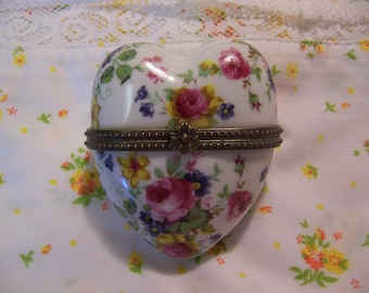 lovely roses hinge box