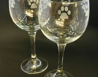 Paw print red wine glasses (set of2)
