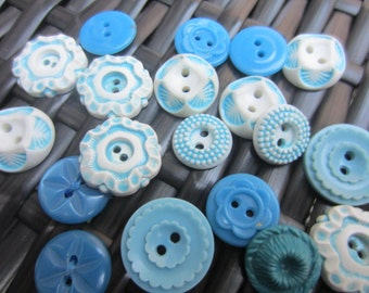 Vintage Buttons - Cottage chic mix of blue and white lot of 19 old and sweet(jan 12-17)