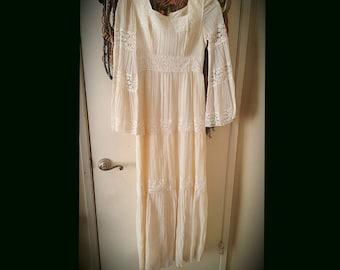 Vintage Hippie Angel Bell Sleeved Wedding Dress