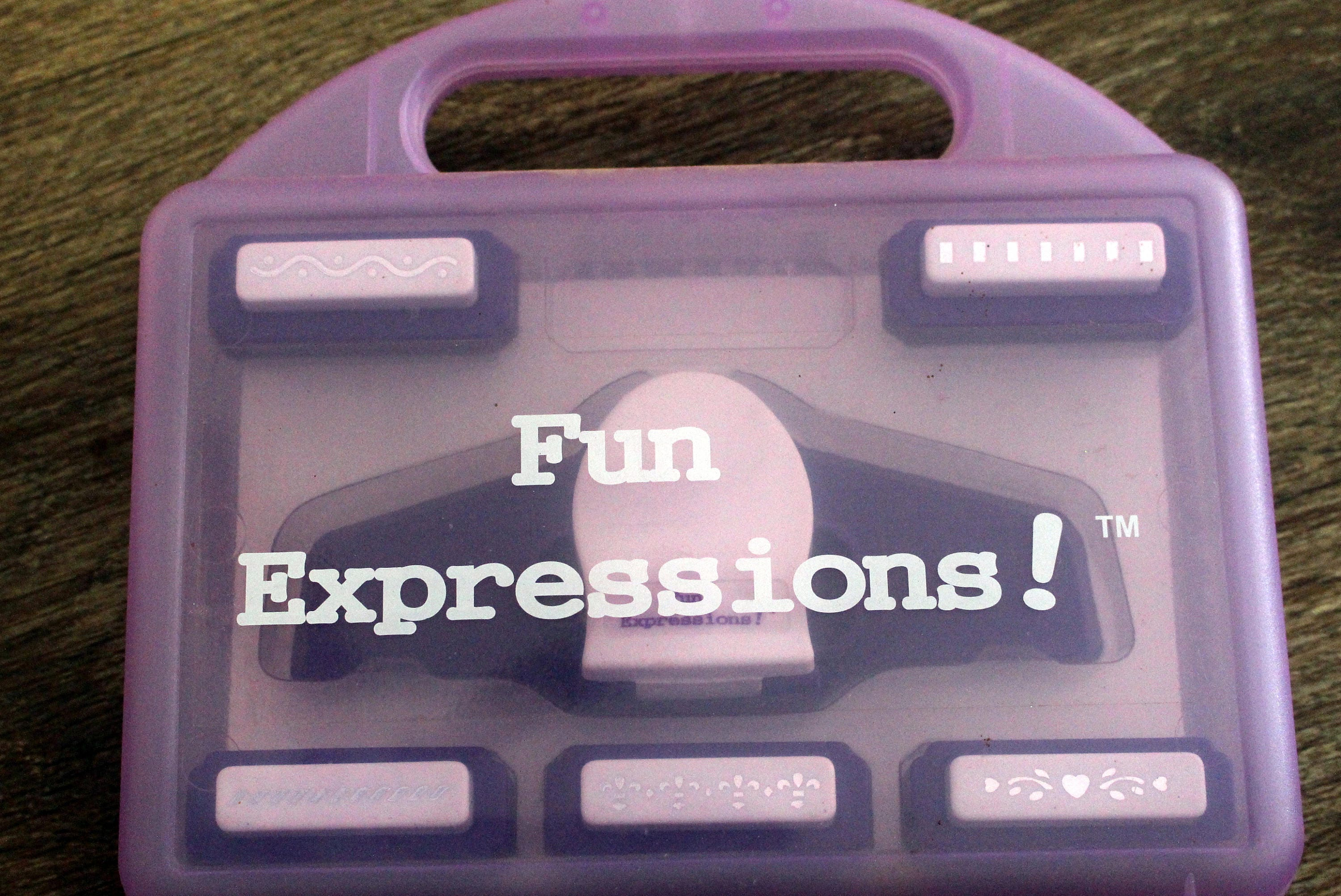 Scrapbook paper carrying case - Paper Punch Set Fun Expressions Border Punch Set 6 Punches And 6 Templates With Grid And A Carrying Case Great For Scrapbooking