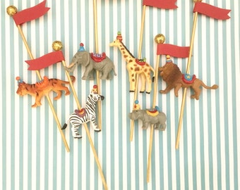 Carousel Circus Animal Cupcake Toppers/Circus Party/Carnival