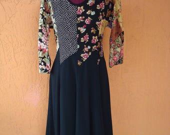 Size 12 1980s S.L. Fashion Figure Flattering Dress, Black, Calico, Hourglass Figure, Dressy, Scoop Neck, Petite