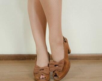 SALE - Vintage 1940s Shoes - Versatile Golden Brown Suede Bow Vamp Peeptoe 40s Slingback Platform Heels Size 7.5 AAA
