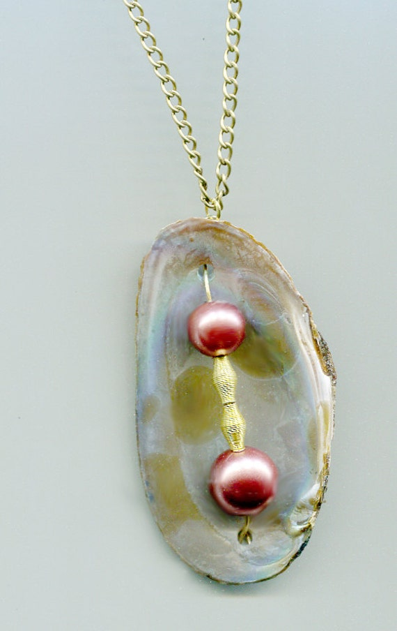 clam sea shell pearl necklace gold chain glass bead bronze handmade nature beach boho nautical natural jewelry