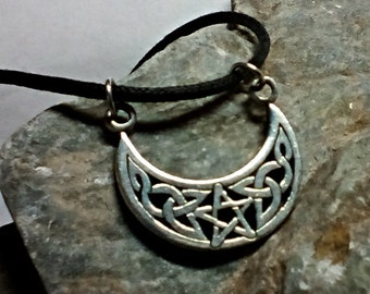 Crescent New Moon Pendant with intricate Celtic Knotwork - Pentacle Center - Celestial Charm
