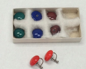 Glass Multi Color Interchangeable Earring Set Vintage  New In Box Made in Japan Post WWII Button Screwbacks