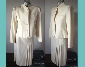 Vintage 80s Winter White Wool Skirt Suit Size 9/10
