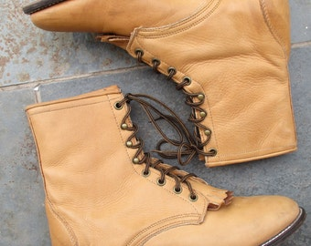 Vintage Laredo Tan Boots Womens Size 10 M Ankle Lace Up Boots Cowgirl Western Leather Ropers High Tops