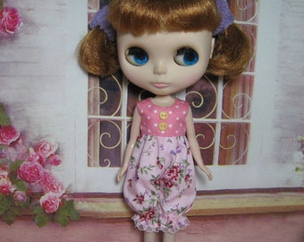 2 outfits  for  Blythe