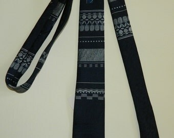 "58"" by 2.5"" 80s City Streets Jacquard Tie Dark Blue and Silver Deadstock Made in the U.S.A. Excellent Condition"