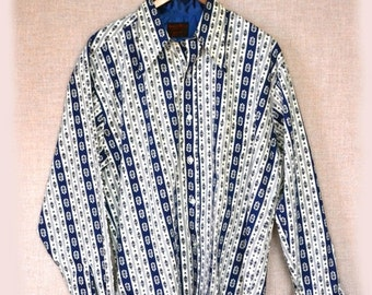 Sale 70s Mens Shirt Blue Print Sz L to Sz XL 50 Inch Chest