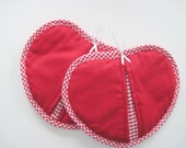 Heart shaped hot pads pot holders Valentine set of 2 red with gingham check