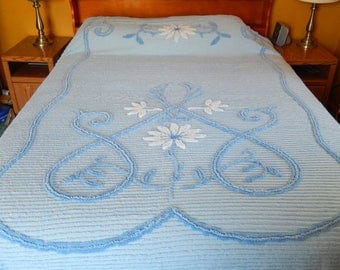 vintage chenille bedspread, Carter RetRac, blue/white/floral, full double, vintage bedding