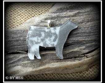 """Glass Shorthorn Show Steer Pendant, Cattle Jewelry Approx 2"""""""