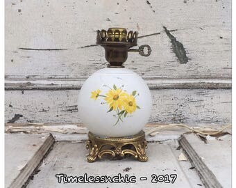 Table Lamp - Vintage Lamp - Small Lamp - Turnkey Lamp - Desk Lamp - Shabby Chic Decor - Hurricane Lamp - Daisy - Daisies - Toleware Lamp