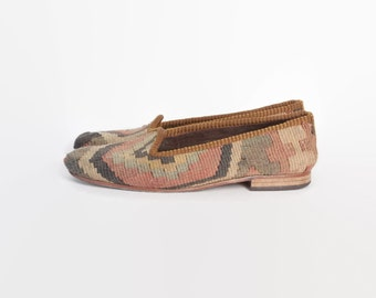 Vintage 80s Boho KILIM FLATS / 1980s Brown & Tan Turkish Wool Slip On Shoes 6