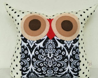 Owl cushion/pillow /Black and white/The night walker owl pillow