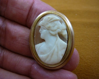 strong classic Woman with wavy hair in ponytail oval hand carved shell CAMEO brass pin pendant c1364