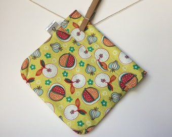 Reusable eco friendly washable Sandwich - fruit on bright yellow