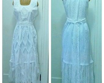 White Macrame Lace Dress Top Size Medium, Large Velvet Feathers Dreamcatcher Tribal Wedding Ivory