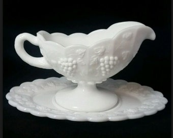 Vintage Gravy Boat and Drip Plate