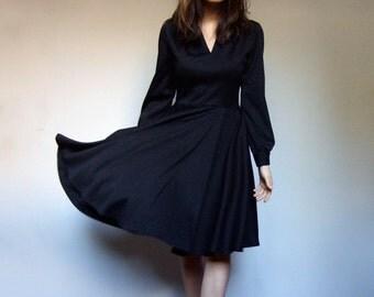 Black Long Sleeve Dress V Neck Dress Simple Dress Secretary Dress Vintage 70s Dress - Extra Small to Small XS S