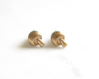 Tiny Brass Gold Mushroom Post Earrings, Woodland 70's earrings, Hippie 90s Grunge Mushroom Gift Idea, Bridesmaid Gifts Woodland Wedding