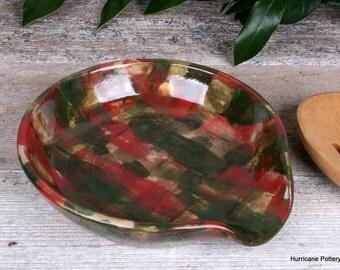 Red Green Christmas Spoon Rest. Ceramic Wheel Thrown Pottery. Primitive Kitchen Pottery. Primitive Christmas Kitchen Decor.