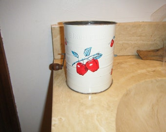 Vintage Almost Perfect Bromwell's Apple Flour Sifter Country French Kitchen Decor Traditional Baking Jar Cookie Gift Tin Wrap Food Container