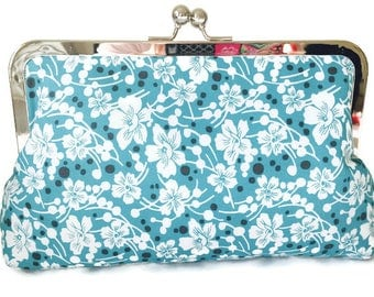 pretty blue print Bridesmaids Clutches  Wedding Purse, destination wedding, formal wedding