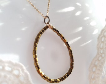 Oval shaped seed bead pendant, Bronze hoop beaded pendant, minimalist everyday jewelry, simple beaded bronze pendant, teardrop bead pendant