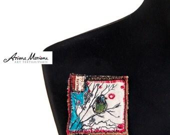 Reversible Mini Art Bird Pin - Original Fiber Art Brooch For Customization -  Fancy Accessories Made in France - Paris