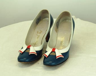 1960s shoes heels nautical red white blue pumps Howard Fox Size 5.5