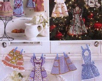 Apron Ornaments Sewing Pattern UNCUT Simplicity 2748 Christmas holiday