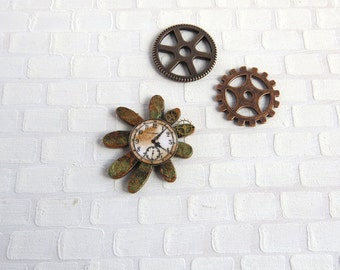 Steampunk clock on flower shaped base in 1:12 scale