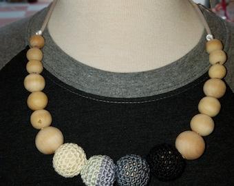 Natural wood crochet Monochrome  nursing necklace- crochet necklace- beaded necklace- nursing- breastfeeding- babywearing- birch wood