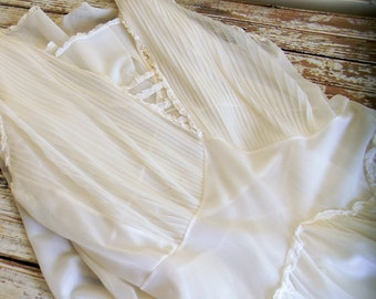 Vintage Nightgown, Long White Nightgown, 1960s Sheer Nylon Nightgown, Size Large, Size 38 Full Figure Vintage Lingerie, Slip Dress LG