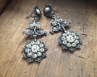 Vintage Mexican silver filigree earrings with natural pearl beads, Spanish Colonial chandelier earrings, wedding earrings, silver jewelry