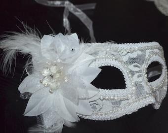 White and Cream Masquerade Bridal Mask, Mascarade mask, white mask, lace mask, mardi gras, costume, sweet 16, homecoming, halloween,