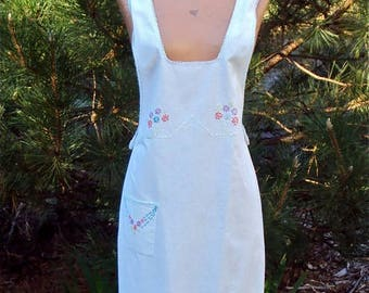 1930s Full Apron, Hand Made, Hand Embroidered, Crocheted, Vintage