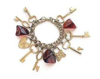 Bakelite Charm Bracelet, Keys Charms, Paris France, Heart Lock, Brown Bakelite, Gold Tone, Vintage Bracelet, Charm Bracelet, Vintage Jewelry