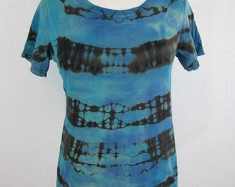 Size Large Shibori Stripes Blue and Black Scoop Neck T-shirt
