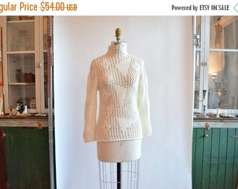 40% OFF / 3 days only / Vintage BENETTON sheer wool statement sweater