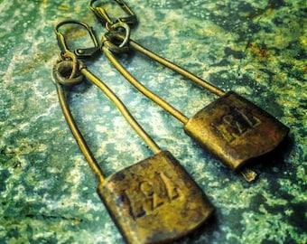 Steampunk Earrings / Vintage Laundry Pin Earrings / Brass / Steampunk